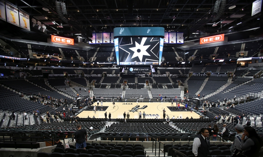 Η έδρα των Σπερς μεταμορφώνεται από αρένα ροντέο σε γήπεδο μπάσκετ μέσα σε… 42 δευτερόλεπτα! (video)