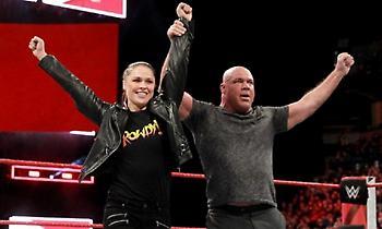 Η Ράουζι στη WrestleMania με συμπαίκτη… ολυμπιονίκη (video)