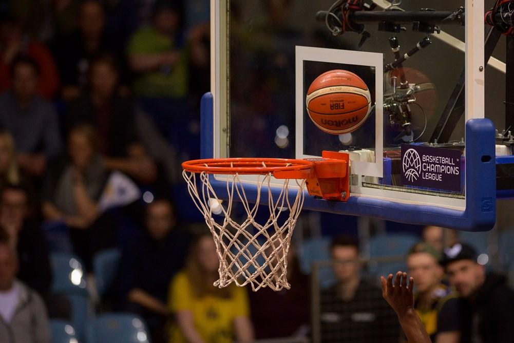 Τρομερές φάσεις στο Basketball Champions League (video)