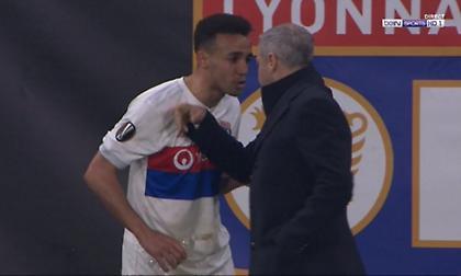Ήρθε στα χέρια με παίκτη του ο προπονητής της Λιόν (video)