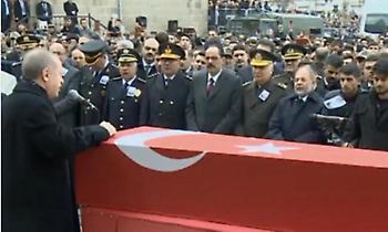 Ερντογάν σε ΕΕ: «Θα ανοίξω τα σύνορα, δεν θα βρίσκετε τρύπα να κρυφτείτε»