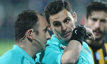 Παραπέμπονται για τους χειρισμούς τους μετά το γκολ του Βαρέλα οι Κομίνης-Ποντίκης