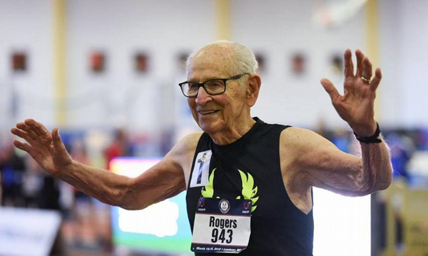 Μάγκικο Παγκόσμιο ρεκόρ από τον 100χρονο Ρότζερς! (video)