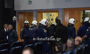 «Ντου» οπαδών του ΠΑΟΚ και αναβολή ομιλίας του Άδωνι Γεωργιάδη στα Κουφάλια Θεσσαλονίκης