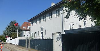 Δανία: Επίθεση με μολότοφ στην πρεσβεία της Τουρκίας στην Κοπεγχάγη