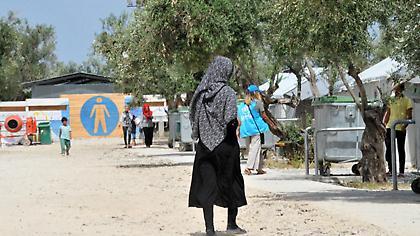 «Bόμβα» Welt: Η Αθήνα τορπιλίζει τη συμφωνία για το προσφυγικό