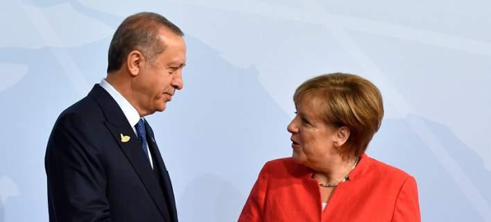 Κοτζιάς: «Η Μέρκελ παρενέβη στον Ερντογάν για τους δύο Έλληνες στρατιωτικούς»