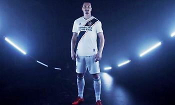 Και επίσημα στους LA Galaxy ο Ζλάταν (video)