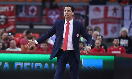 Σφαιρόπουλος: «Ποια ομάδα θα κερδίσει χωρίς 4 παίκτες;»