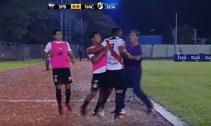 Βραζιλιάνος χτύπησε τον προπονητή του επειδή τον έκανε αλλαγή! (video)