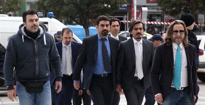 Σήμερα η απόφαση για άσυλο στους οκτώ Tούρκους στρατιωτικούς
