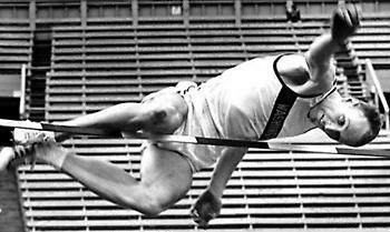 Φιλ Σίνικ: Ένας Αμερικανός αθλητής που πρωτοπόρησε για την Ειρήνη