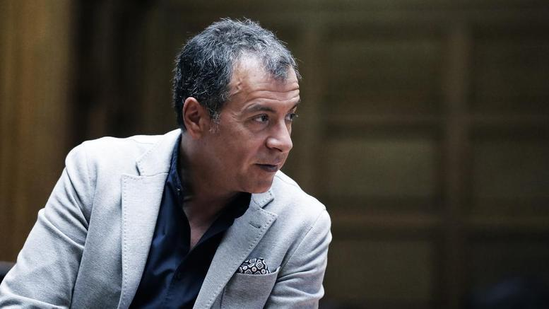Σταύρος Θεοδωράκης: Χούντα σημαίνει να μην ακούς τραγούδια, να μην...