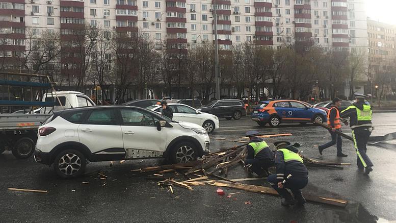 Δύο νεκροί και 12 τραυματίες από σφοδρή καταιγίδα στη Μόσχα