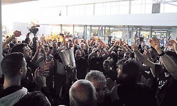 Παροξυσμός για την επιστροφή του ΠΑΟΚ με την κούπα! (pics/video)