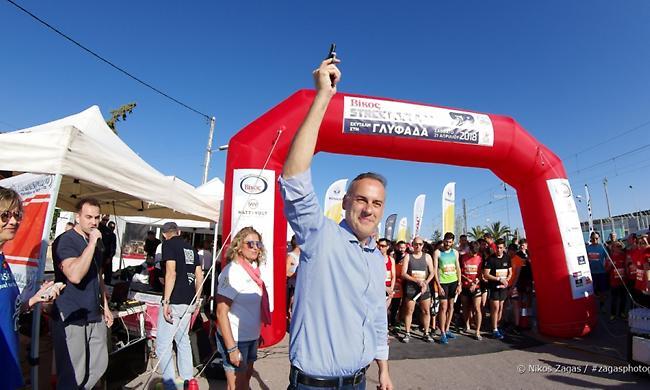 Ολυμπιονίκες, πρωταθλητές, αλλά και διασκέδαση στα Βίκος Street Relays της Γλυφάδας