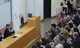Η τελευταία διάλεξη του Σταύρου Τσακυράκη στη Νομική - Η ανάρτηση Θεοδωράκη