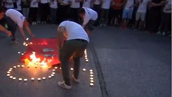 Αρμένιοι έκαψαν «σημαία» με Τούρκους ηγέτες έξω από την τουρκική πρεσβεία