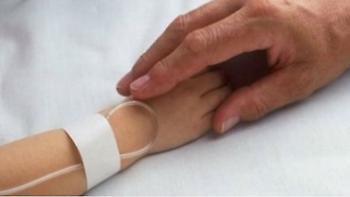 Ηράκλειο: Στο νοσοκομείο με εγκαύματα, 2χρονο κοριτσάκι - Μεταφέρθηκε εσπευσμένα από την Ίο
