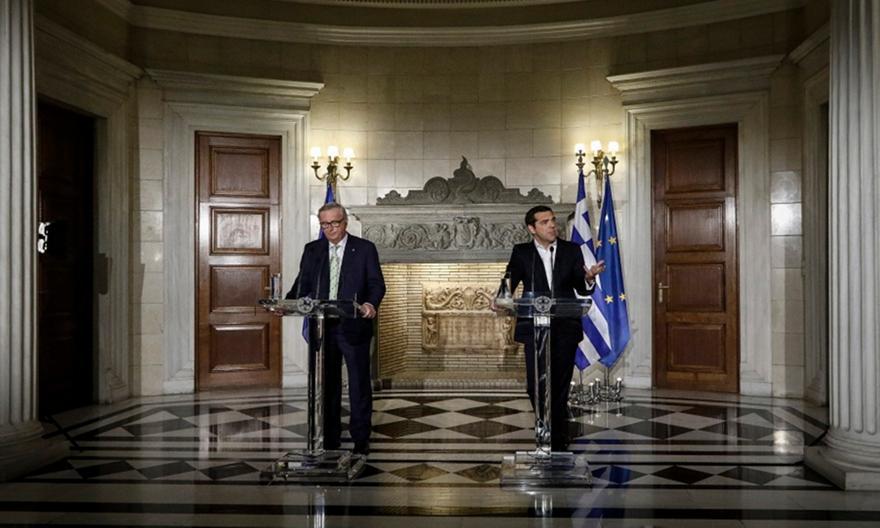 Γιούνκερ σε Τσίπρα: Η Ελλάδα θα γίνει κανονική χώρα στις 20 Αυγούστου