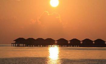 Σήμα κινδύνου από επιστήμονες: Μη κατοικήσιμα από το 2030 τροπικά νησιά όπως οι Μαλδίβες