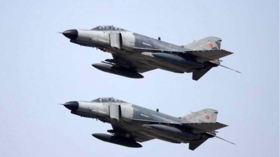 Μπαράζ προκλήσεων από τουρκικά μαχητικά: 42 παραβιάσεις του εθνικού εναέριου χώρου