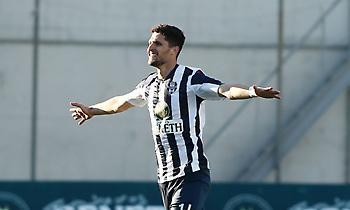 «Έχει όλο το… πακέτο ο Αλμπάνης. Είναι από τους καλύτερους Έλληνες ποδοσφαιριστές»