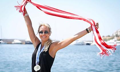 Μένει και του χρόνου η Χίπε στον Ολυμπιακό!