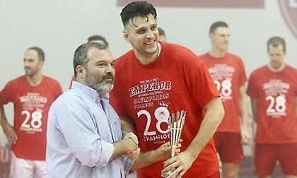 MVP ο Αλεξίεφ: «Το αφιερώνω στον κόσμο του Ολυμπιακού και στην οικογένειά μου»