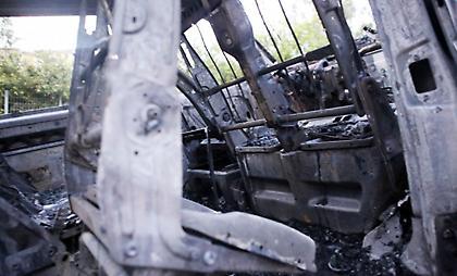 Το αυτοκίνητο των φίλων του ΠΑΟΚ που έκαψαν οπαδοί της ΑΕΚ (pics)