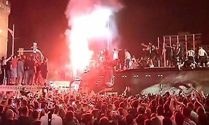 Τρέλα τα ξημερώματα στον Λευκό Πύργο για τον Κυπελλούχο ΠΑΟΚ! (video)