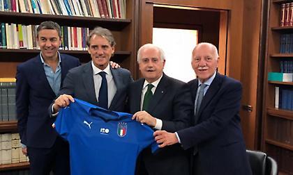 Μαντσίνι: «Να πάμε ξανά την Ιταλία στην κορυφή»