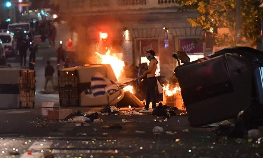 «Κάηκε» η Μασσαλία από τους οπαδούς της Μαρσέιγ (pics+vids)