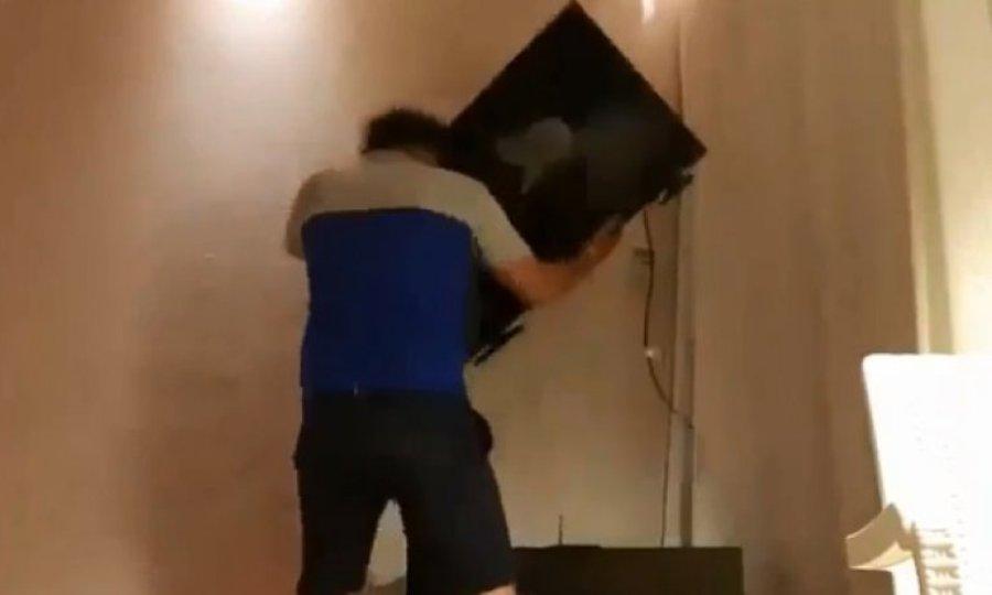 Οπαδός της Μαρσέιγ… ξεσπάει στην τηλεόρασή του (video)