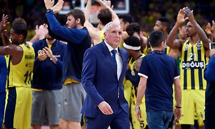 Ομπράντοβιτς: «Χαρούμενος που έχω τον Κώστα στην ομάδα μου»