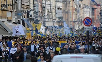 «Κάηκε» η Πάρμα για την επιστροφή στη Serie A (video)