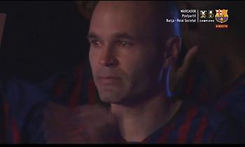 Τα δάκρυα του... αιώνιου Ινιέστα - Τον σήκωσαν στα χέρια! (video)
