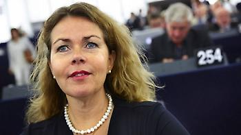 Σουηδή ευρωβουλευτής: Όλες οι χώρες πρέπει να δέχονται πρόσφυγες