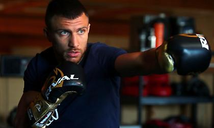 Άφησε τη ζώνη της super-featherweight ο Λοματσένκο!