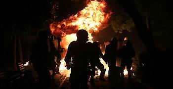 Μια ακόμα νύχτα επεισοδίων και μολότοφ στο κέντρο της Αθήνας