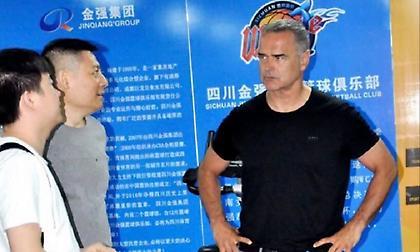 Πιάνει δουλειά στην Κίνα ο Μπάουερμαν