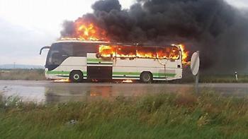 Αλεξανδρούπολη: Κεραυνός χτύπησε λεωφορείο του ΚΤΕΛ (video)