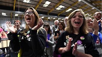Δημοψήφισμα: Με το συντριπτικό 67,38 οι Ιρλανδοί είπαν «ναι» στις αμβλώσεις