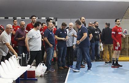 Ένταση πριν τον 4ο τελικό χάντμπολ ΑΕΚ-Ολυμπιακός (pics)