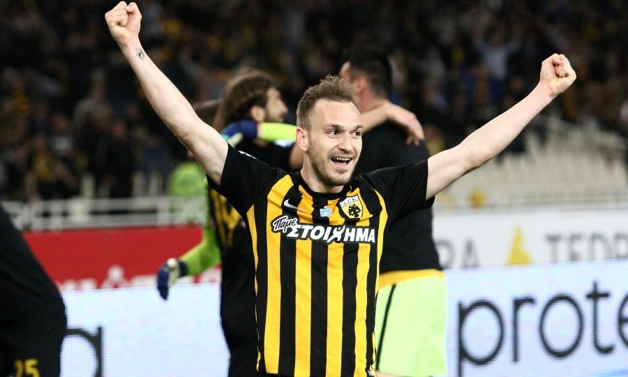 Προτείνει τριετές συμβόλαιο στον Μπακάκη η ΑΕΚ