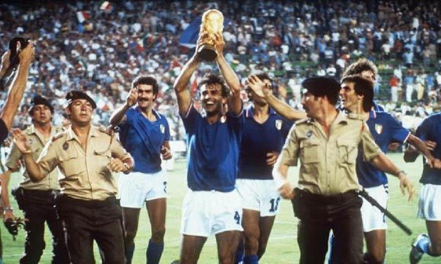 1982, Ιταλία: Από τιμωρημένος, τιμωρός