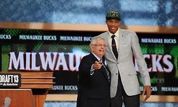 NBA Draft: Γιάννης και «Σόφο» στους νεότερους παίκτες του 21ου αιώνα (video)
