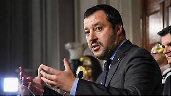 Τραβάει το σχοινί ο Σαλβίνι: Ελπίζω η Ισπανία να δεχθεί άλλες 66.000 μετανάστες...