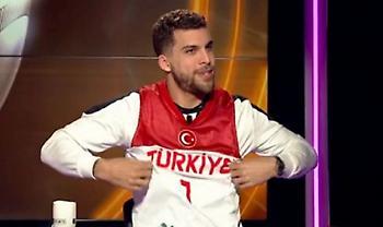 Σκότι Ουίλμπεκιν: «Τούρκος» και με τη βούλα, παίζει στα «παράθυρα»