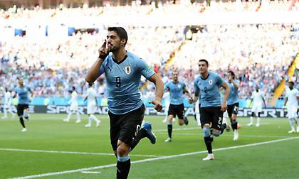 Έκανε... προπόνηση η Ουρουγουάη και προκρίθηκε στους «16»